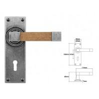 Finesse Lever on Lock Backplate (Oak)